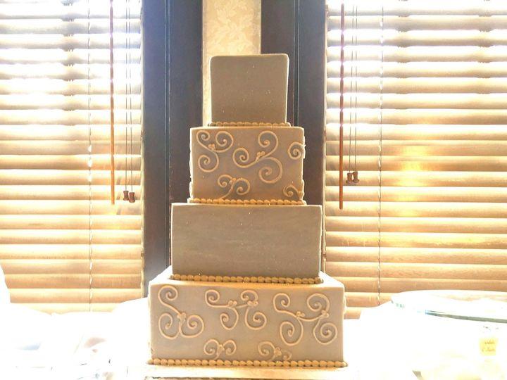 Tmx 1516131641 B5968b4b6f72a2cb 1516131639 29fae57c7a523b3a 1516131636548 11 IMG 3938 Orlando, Florida wedding cake
