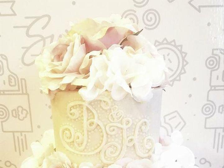 Tmx 1516131659 675553edd3bed3fd 1516131658 4a51f0aafd3d9ded 1516131658016 14 IMG 3953 Orlando, Florida wedding cake