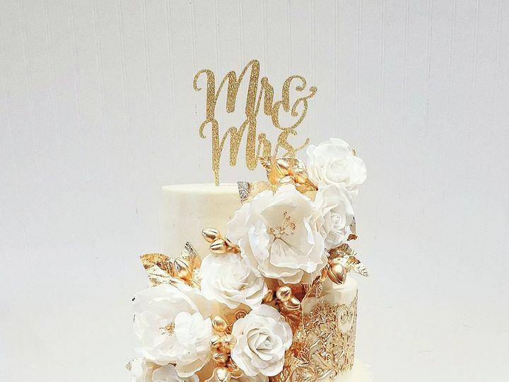Tmx 1536106806 5e7a9ed764dc814b 3B5C89A9 26B0 4076 8BE5 099126DEDD85 Orlando, Florida wedding cake