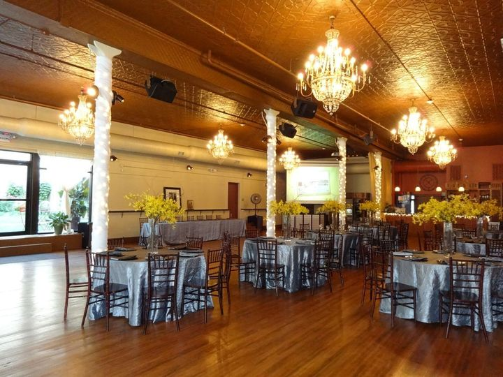 Savoy ballroom venue springfield mo weddingwire 800x800 1388341538464 dsc0007 junglespirit Images