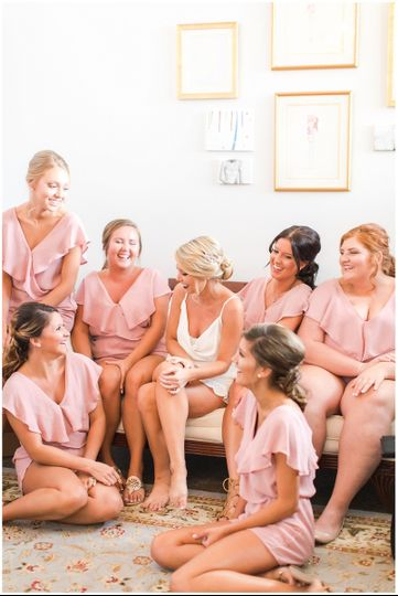 Bride and bridesmaids | Amber Rhodes Photography