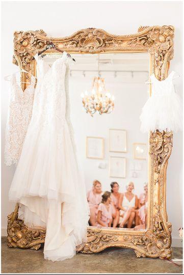 Elegant mirror | Amber Rhodes Photography