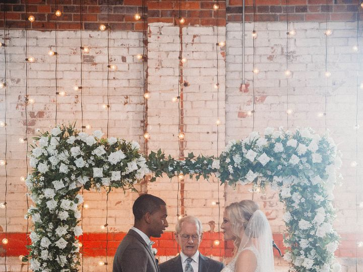 Tmx 1533225525 Ae4c590d14af6f9f 1533225521 8f2cbf6eca8bcc2c 1533225508334 4 Johannadyephotogra Fayetteville, NC wedding venue
