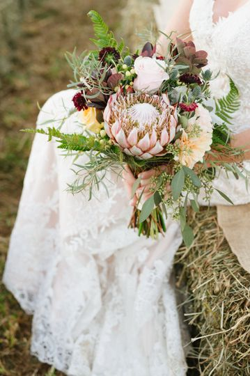 Willow Branch Flowers| Jen Ferriello Photography