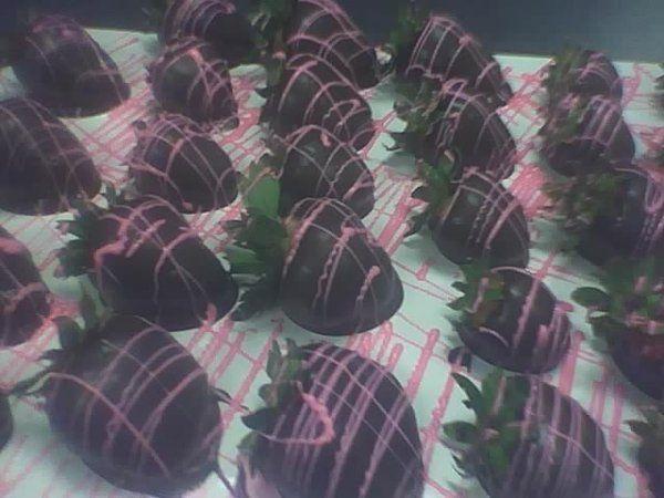Tmx 1256215558996 ChocCovStrawberries Thorndale, Pennsylvania wedding cake
