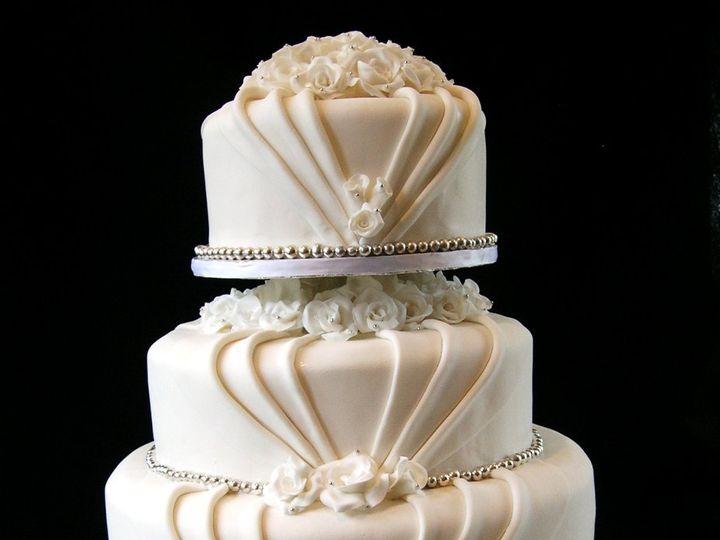 Tmx 1359494696630 Silverandroses2 Westport wedding cake