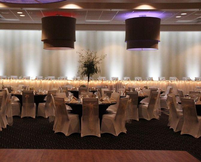 Holiday inn south county wedding