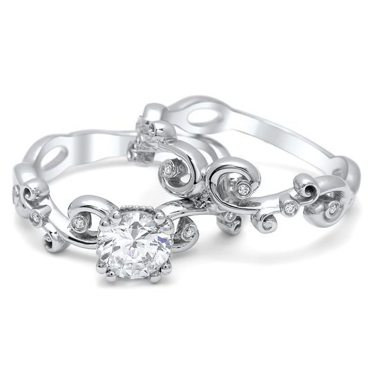 R1333, also known as the Allison Ring. As unique as you are. Featured in The Knot's Spring 2012...