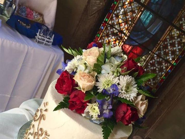 Tmx 1531863703 Cac635f6172ff7a7 1531863702 505b4ed084b9f8be 1531863702264 6 Gold Cutting Cake Reisterstown wedding cake