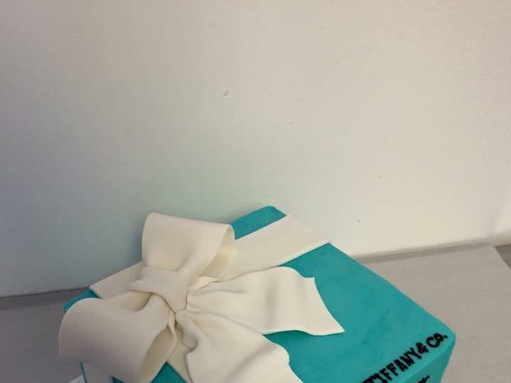 Tmx 1531937733 1d993fc6348525f2 1531937732 8464dda73141442e 1531937730421 8 Tiffany Cake Reisterstown wedding cake