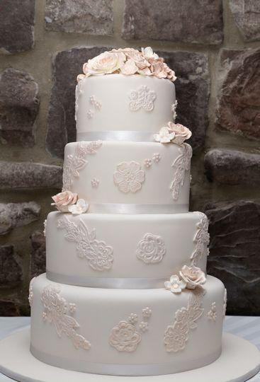sarah ratzkin wedding cake 1