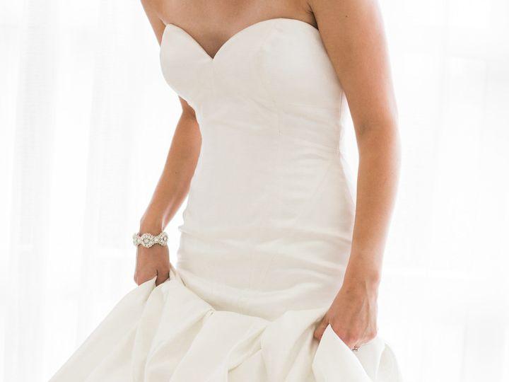Tmx 1531235784 3f312f326e76a2af 1531235782 931d7382c1d338be 1531235783082 21 054 Hopes Glam Ki Davenport, IA wedding dress