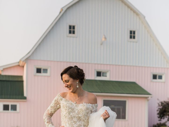 Tmx 1531235820 Eb399ba381075127 1531235818 5f058a8b5960738e 1531235809220 25 487A0335 Davenport, IA wedding dress