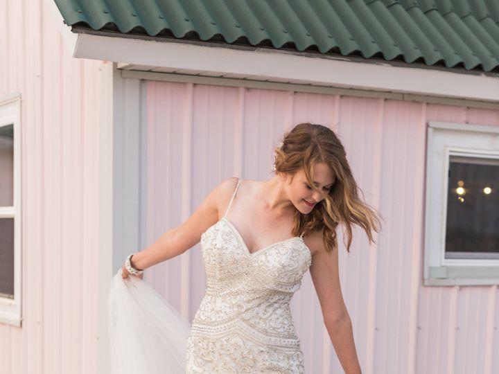Tmx 1531235833 Eea87c742f048d56 1531235829 23896a337fc24eb8 1531235823685 34 487A0424 Davenport, IA wedding dress