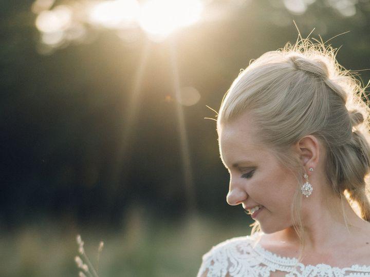 Tmx 20190722 Dsc 6332 51 2242 159951647984705 Davenport, IA wedding dress