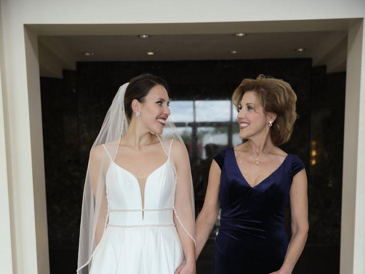 Tmx Hopes 1063 51 2242 159951686392200 Davenport, IA wedding dress