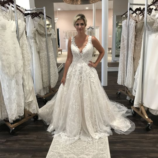 Amazing ball gown wedding dres