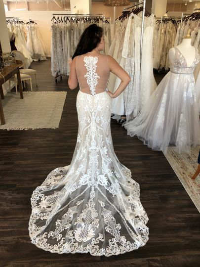 Amazing backs on wedding dress