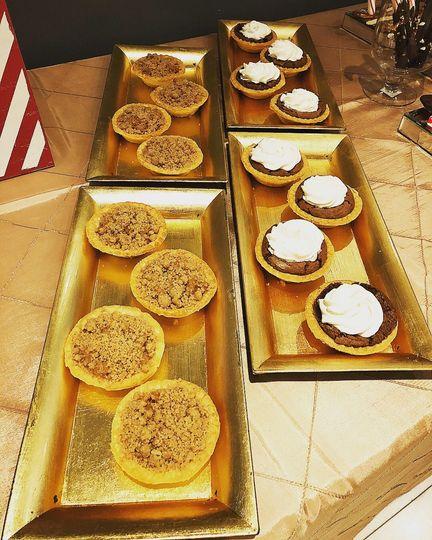 Mini apple crumble pies & mini chocolate chess pies