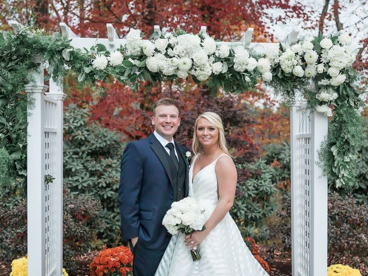Tmx Avenir October Fall Wedding Bride And Groom Portrait 51 1002342 158404697388464 Walpole, MA wedding venue