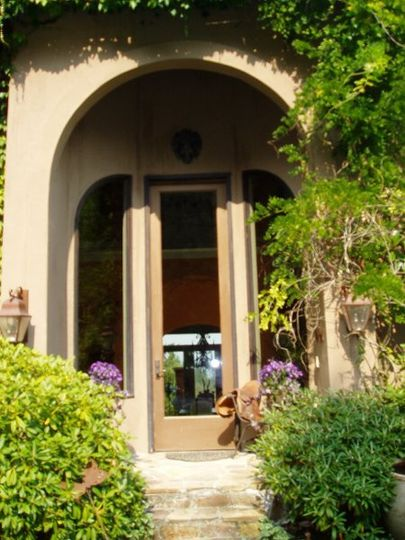 On site valet guest parking for all your guests at the front door of the Villa is complimentary.