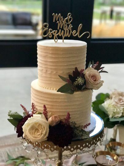 Rustic swirled cake