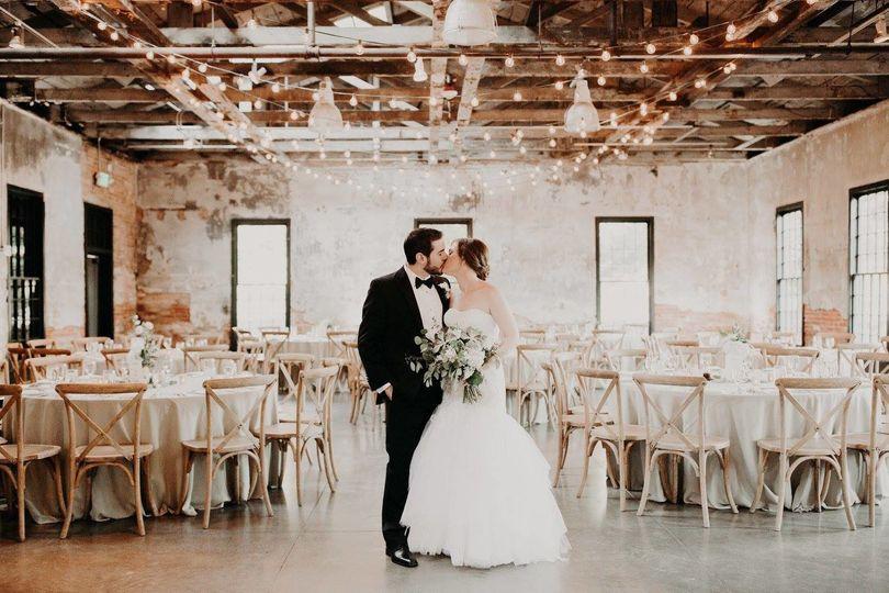 bride and groom mt washington dye house
