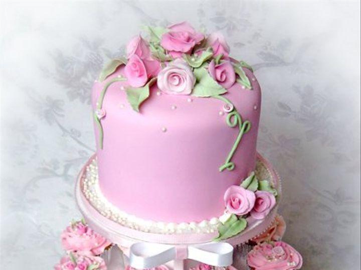 Tmx 1276797428842 RomanticRosesWeddingcupcaketreefullsm Warminster wedding cake