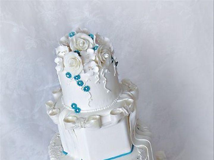 Tmx 1297269607460 Whiteroseslacebowsandtealaquaweddingcake Warminster wedding cake