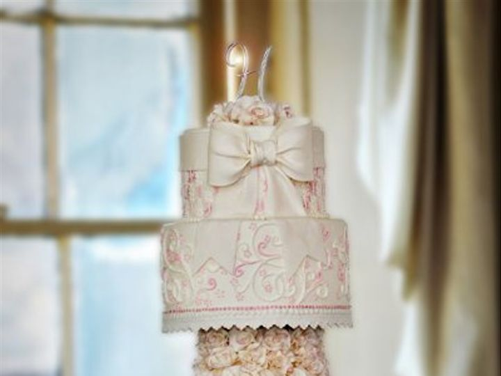 Tmx 1304470996514 50918x12viggaussflairfinishedscb Warminster wedding cake