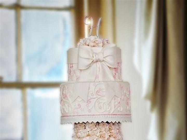 Tmx 1304471041732 Lookingglassphotographyromanticweddingcakecopy Warminster wedding cake
