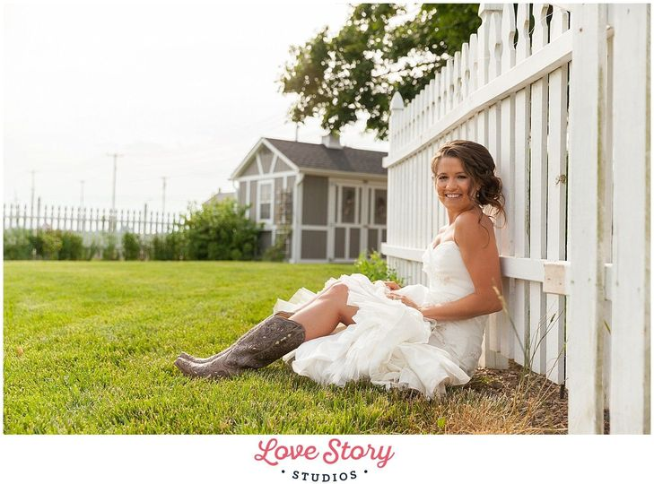 00cff1d3284d3709 1469150675476 jill brett love stories themed wedding photograp