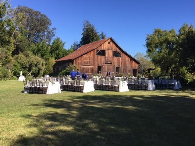 Full shot of the barn and reception set up
