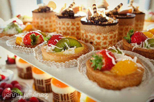 Petite gateaux and tartlets, customized for your event.