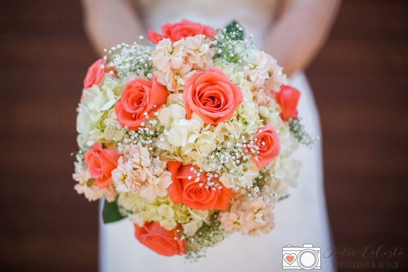 c43e990a50b64111 renee bouquet
