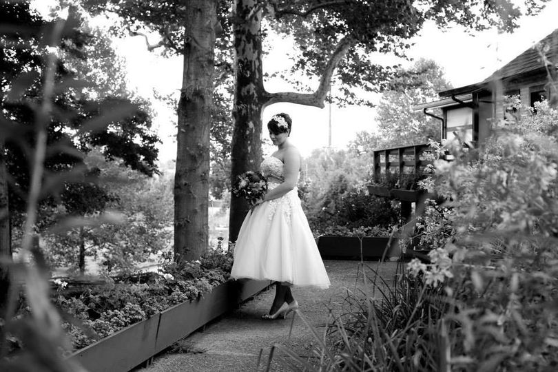 The bride in the garden