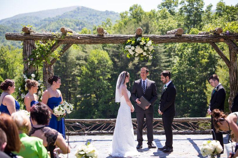Wedding by a beautiful scenery