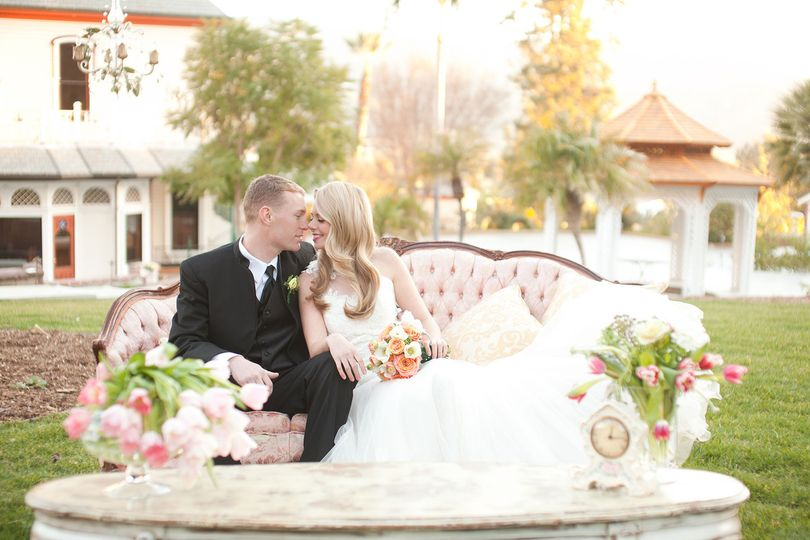 800x800 1370887271445 nm   wedding bride  groom couch