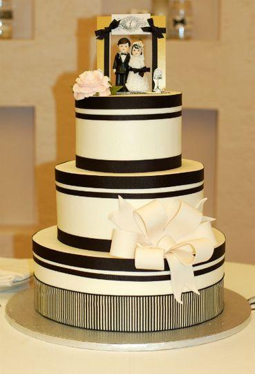 Amazing Cakes Wedding Cake Anaheim Ca Weddingwire