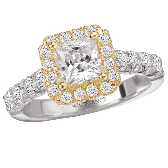 Two-toned diamond ring