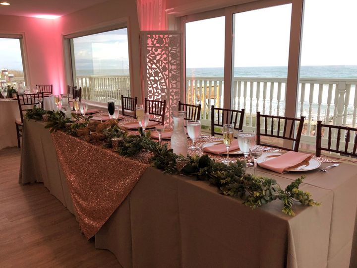 Head wedding party table