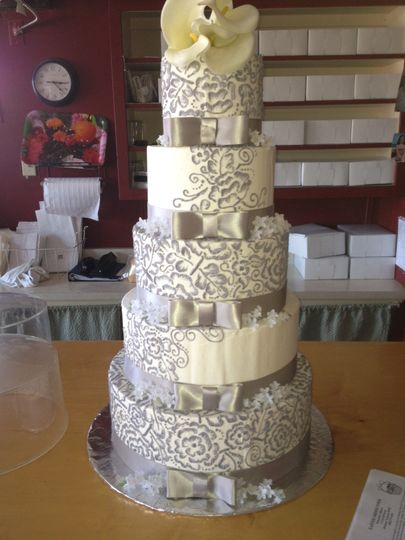 5-tier intricate wedding cake