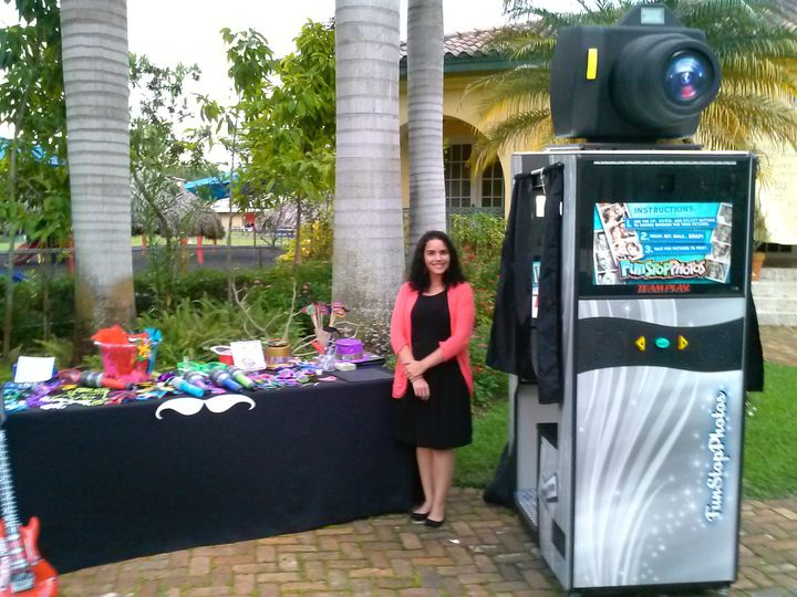 Snap Away Photo Booths - Photo Booth - Miami, FL - WeddingWire