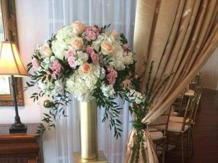 Tmx 1487623255333 Recetion122 Littlestown, Pennsylvania wedding florist