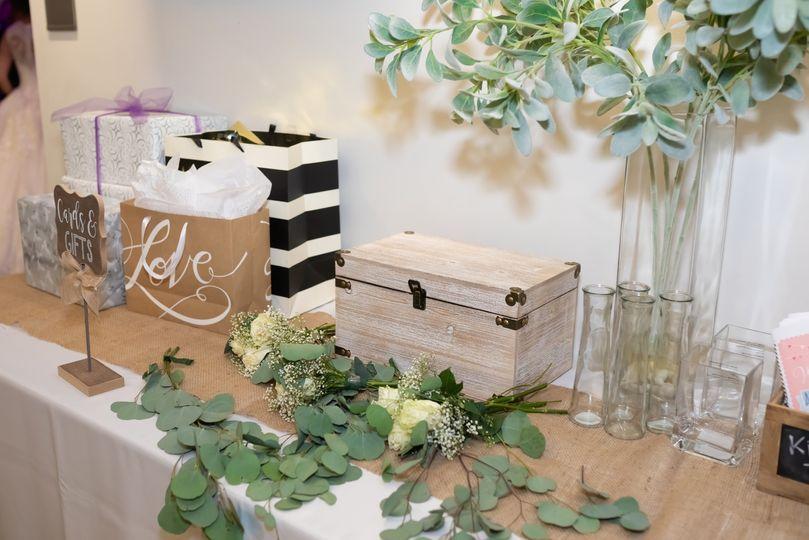 Gift Table - Martin. V. Photo