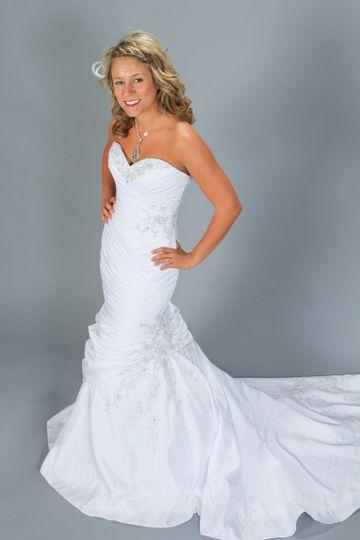 Bridal n 39 more dress attire bismarck nd weddingwire for Wedding dresses fargo nd