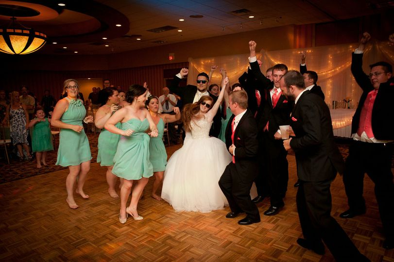 Midwest Sound Dj Entertainment Dj Saint Paul Mn Weddingwire