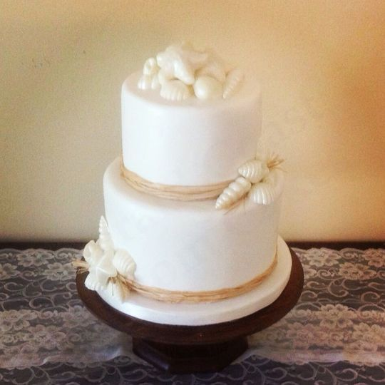 Two layered white cake