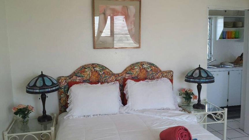 tropicalgardensuitebedroom