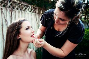 Artistry HD - Airbrush Makeup for High Definition Photography